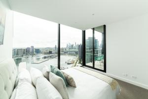 Melbourne Private Apartments - Collins Wharf Waterfront, Docklands