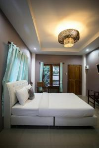 M Grand Hotel - Pak Khat