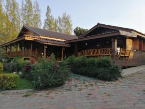 Baan Pai See Thong - Ban Hin Dat