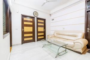 Room in a BnB in Gurgaon, by GuestHouser 8267, Prázdninové domy  Gurgáon - big - 6