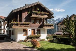 Villa Marmarole a Calalzo - AbcAlberghi.com