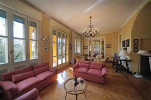 Villa Vibe Luce, beautiful period villa with private pool and lake view, Ville  Gardone Riviera - big - 12