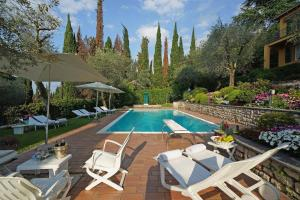 Villa Vibe Luce, beautiful period villa with private pool and lake view, Ville  Gardone Riviera - big - 33