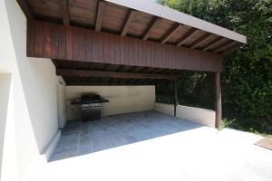 Villa Melograno, fantastic private family villa with pool and garden, Villák  Gardone Riviera - big - 2