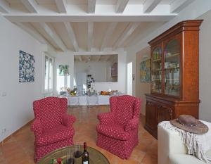 Villa Melograno, fantastic private family villa with pool and garden, Villák  Gardone Riviera - big - 7