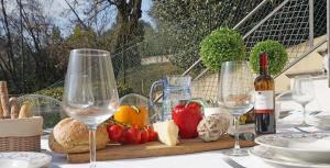 Villa Melograno, fantastic private family villa with pool and garden, Villák  Gardone Riviera - big - 15