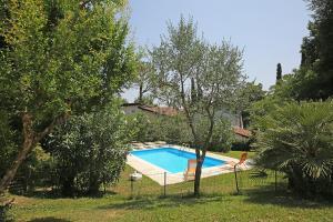 Villa Melograno, fantastic private family villa with pool and garden, Villák  Gardone Riviera - big - 27