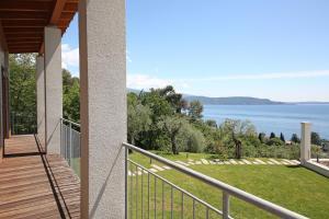 Villa Albachiara, Private Luxury villa with private pool and lake view, Villák  Gardone Riviera - big - 28