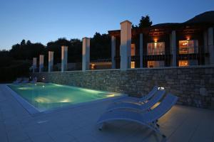 Villa Albachiara, Private Luxury villa with private pool and lake view, Villák  Gardone Riviera - big - 18
