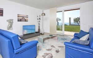 Villa Albachiara, Private Luxury villa with private pool and lake view, Villák  Gardone Riviera - big - 12