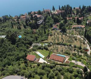 Villa Albachiara, Private Luxury villa with private pool and lake view, Villák  Gardone Riviera - big - 11