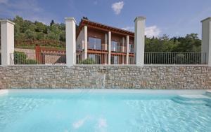 Villa Albachiara, Private Luxury villa with private pool and lake view, Villák  Gardone Riviera - big - 10