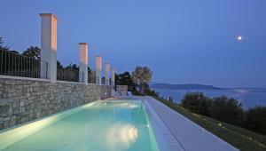 Villa Albachiara, Private Luxury villa with private pool and lake view, Villák  Gardone Riviera - big - 5