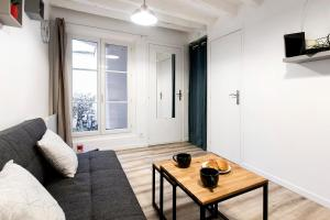 Refurbished Central Paris Flat by GuestReady