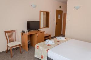 Hotel Eva, Szállodák  Ravda - big - 7