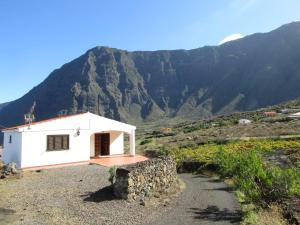 STYLISH BUNGALOW WITH GREAT SEA AND MOUNTAIN VIEWS, Frontera - El Hierro
