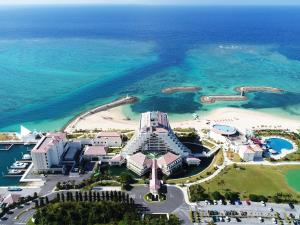 Sheraton Okinawa Sunmarina Res..