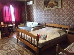 Uyut Motel - Derëzovka