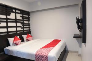 Auberges de jeunesse - OYO 542 Majestiq Hotel