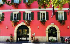 Albergo Neni - Hotel - Brentonico