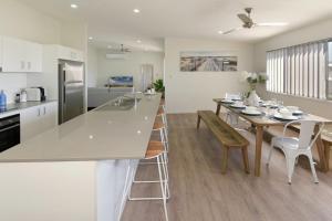 obrázek - Sunshine Cove Modern Home