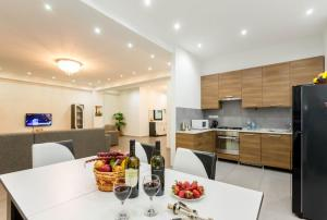 Serviced Apartment on Rustaveli Avenue 7