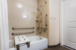 Candlewood Suites Bensalem - Philadelphia Area, Hotel  Bensalem - big - 12