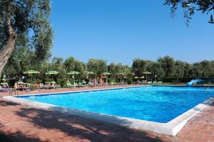 Villaggio Turistico Camping Parco Degli Ulivi - AbcAlberghi.com