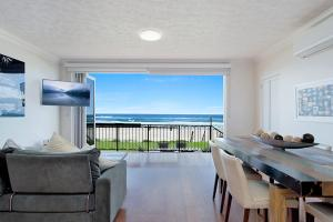Absolute beachfront apartment - nothing but the sand - Palm Beach