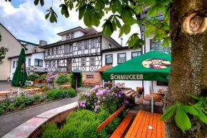 Brauereigasthof und Hotel Schmucker - Frohnhofen