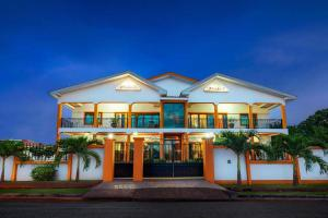 Okumah Hotel - Boni