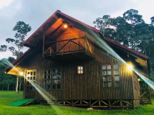 Cabaña rodeada de naturaleza en San Carlos Quesada