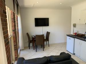 Ensenada Motor Inn and Suites, Motelek  Adelaide - big - 31