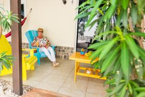 Executive One-Bedroom Apartment with Terrace  (FootSteps to Pool) White Beach Apartments Palm Beach