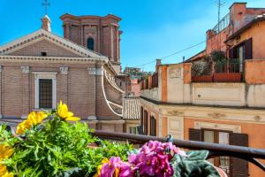 Apartment by the Spanish Steps - AbcRoma.com