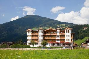 Hotel Riedl im Zillertal, Альпбах