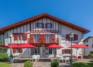 Location gîte, chambres d'hotes Hôtel Ithurria - Les Collectionneurs dans le département Pyrénées Atlantiques 64