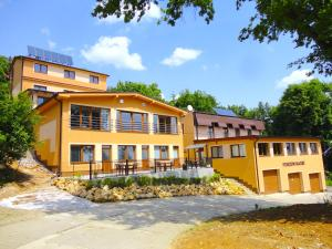Wellness penzión Maxim - Hotel - Bojnice