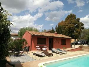 Casa vacanze con piscina a Pila, a un passo da Per - AbcAlberghi.com