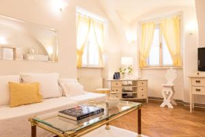 Bright and Charming apt. in the heart of Old Town, 10000 Zagreb
