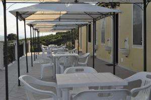 Agriturismo Monte Maggio, Farm stays  Lapedona - big - 47