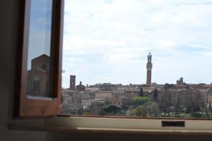 Affaccio su Siena,vicino al centro, con garage - AbcAlberghi.com