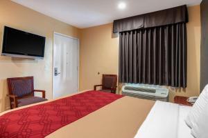 Econo Lodge Carson near StubHub Center, Motels  Carson - big - 24