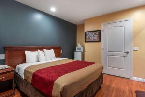 Econo Lodge Carson near StubHub Center, Motels  Carson - big - 30