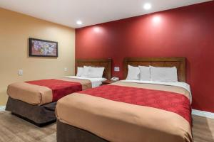 Econo Lodge Carson near StubHub Center, Motels  Carson - big - 10