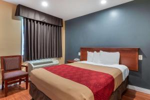 Econo Lodge Carson near StubHub Center, Motels  Carson - big - 12