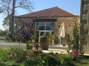 Le Gîte de Garbay, Отели типа «постель и завтрак»  Margouët-Meymès - big - 12