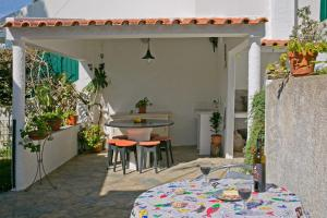 Cavilhas Residence (Close to the Beach & BBQ) Ideal for families - Pianos