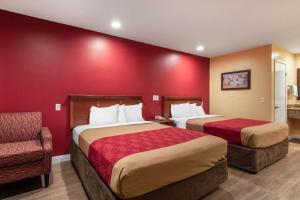 Econo Lodge Carson near StubHub Center, Motels  Carson - big - 2