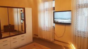 Apartman Panonska jezera, Ferienwohnungen  Tuzla - big - 25